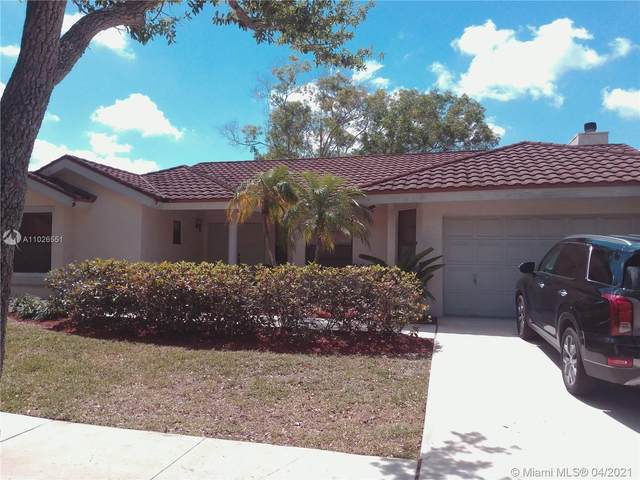 1620 Newport Ln, Weston, FL 33326 (MLS #A11026551) :: Patty Accorto Team
