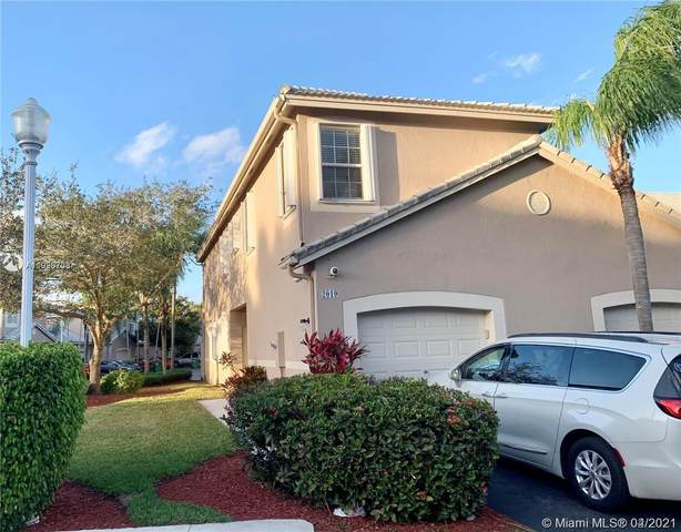 2019 Madeira Dr, Weston, FL 33327 (MLS #A11026703) :: Green Realty Properties