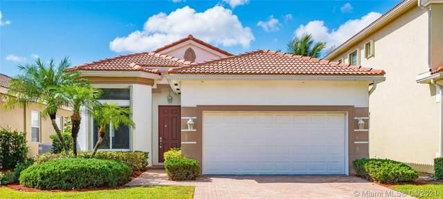 41 Country Lake Cir, Boynton Beach, FL 33436 (#A11026782) :: Dalton Wade