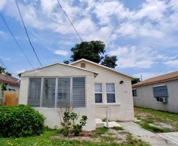 135 NE 11th Ave, Boynton Beach, FL 33435 (MLS #A11026882) :: Team Citron