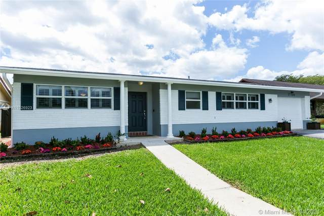 11700 NW 15th St, Pembroke Pines, FL 33026 (MLS #A11026923) :: Green Realty Properties