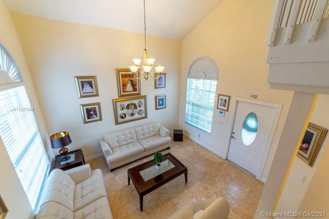 1172 SW 85th Ave, Miami, FL 33144 (MLS #A11027444) :: The Riley Smith Group