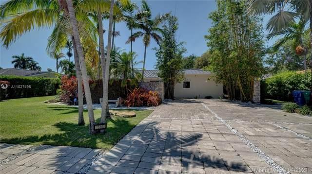 15640 SW 77th Ave, Palmetto Bay, FL 33157 (MLS #A11027495) :: Berkshire Hathaway HomeServices EWM Realty