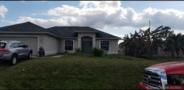 Lehigh Acres, FL 33976 :: The Teri Arbogast Team at Keller Williams Partners SW