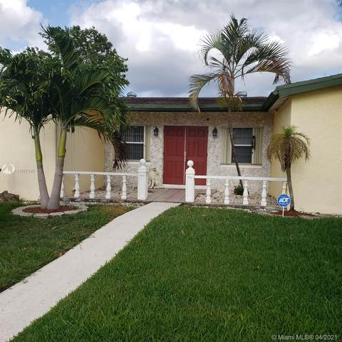 4360 NW 42nd Ave, Lauderdale Lakes, FL 33319 (MLS #A11027540) :: Jo-Ann Forster Team
