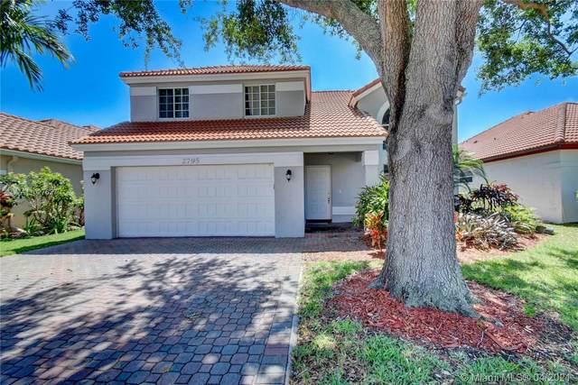 2795 Oak Grove Rd, Davie, FL 33328 (MLS #A11027627) :: The Paiz Group