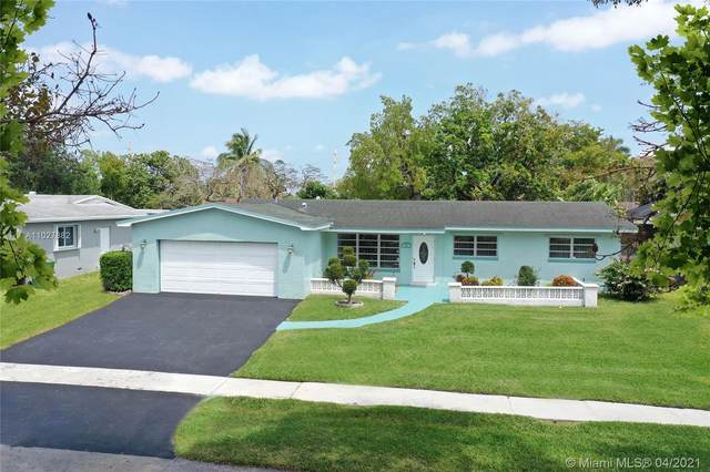 731 NW 93rd Ave, Pembroke Pines, FL 33024 (MLS #A11027882) :: The Teri Arbogast Team at Keller Williams Partners SW