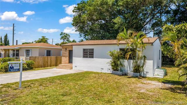 2323 Funston St, Hollywood, FL 33020 (MLS #A11028008) :: The Rose Harris Group