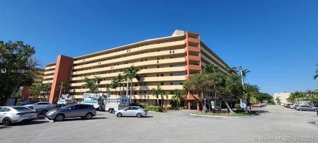1750 NE 191st St 823F-4, Miami, FL 33179 (MLS #A11028403) :: The Riley Smith Group