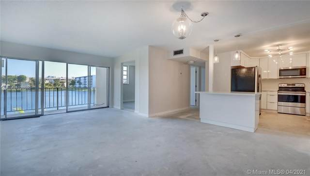 8895 Fontainebleau Blvd #210, Miami, FL 33172 (MLS #A11028680) :: The Riley Smith Group