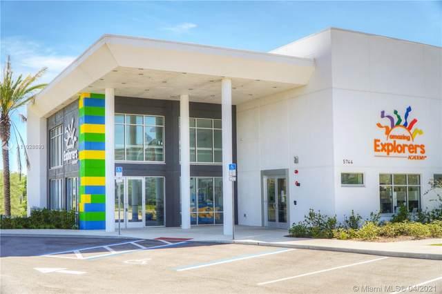 5744 Crowntree Ln, Orlando, FL 32829 (#A11028693) :: Posh Properties