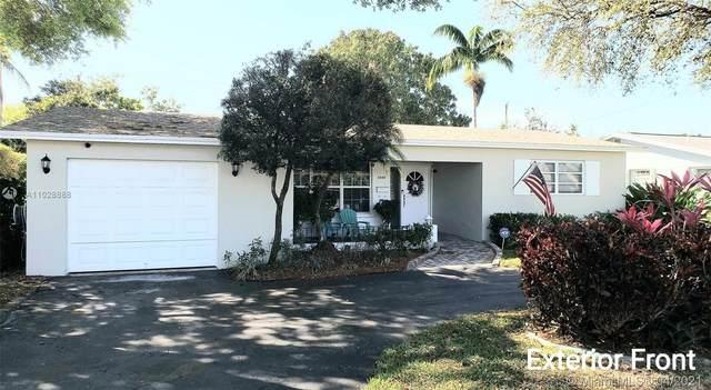 5500 Jackson St, Hollywood, FL 33021 (MLS #A11028888) :: Castelli Real Estate Services