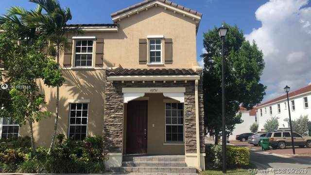 16731 SW 96th St, Miami, FL 33196 (MLS #A11029131) :: The Rose Harris Group