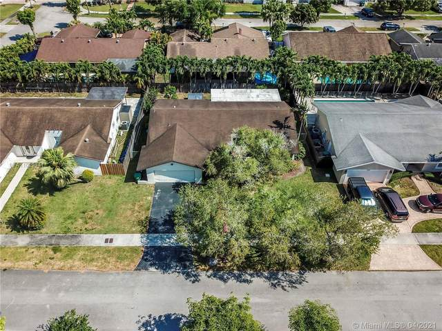14041 SW 106th St, Miami, FL 33186 (MLS #A11029141) :: The Riley Smith Group