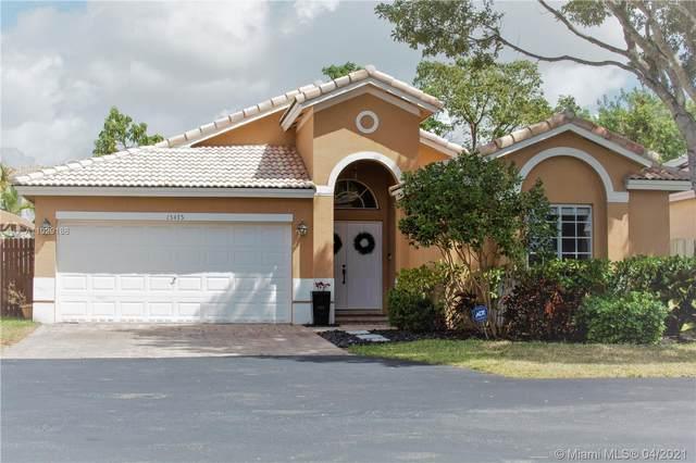 15475 SW 138th Ter, Miami, FL 33196 (MLS #A11029186) :: Compass FL LLC