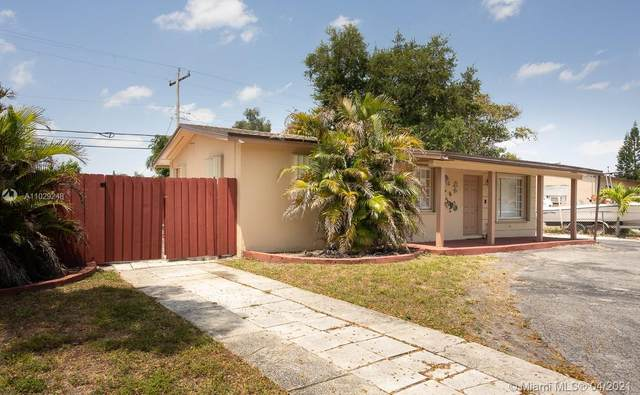 1300 N 69th Ave, Hollywood, FL 33024 (MLS #A11029248) :: The Jack Coden Group