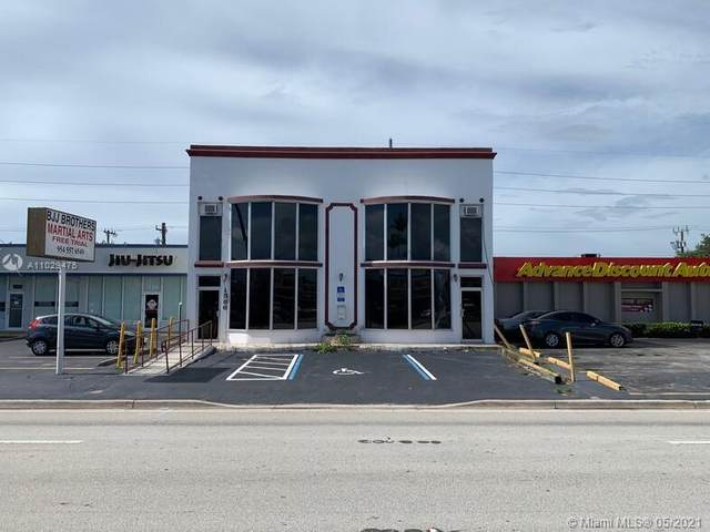 1586 E Commercial Blvd, Oakland Park, FL 33334 (MLS #A11029475) :: The Jack Coden Group
