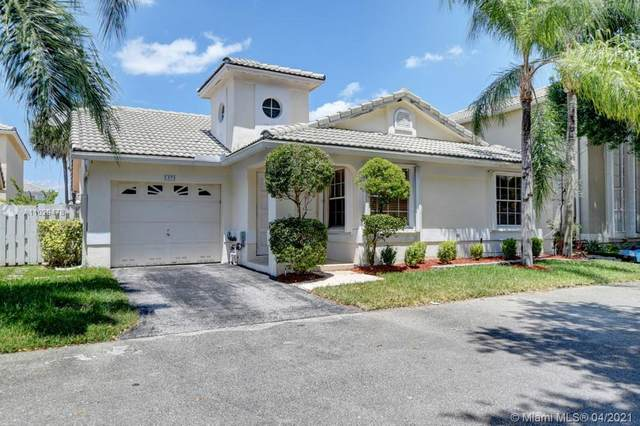 5371 NW 41st Way, Coconut Creek, FL 33073 (MLS #A11029478) :: Castelli Real Estate Services
