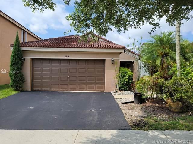 1324 Plumosa Way, Weston, FL 33327 (MLS #A11029497) :: United Realty Group