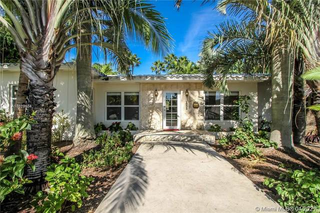 1239 Jackson St, Hollywood, FL 33019 (MLS #A11029634) :: The Riley Smith Group