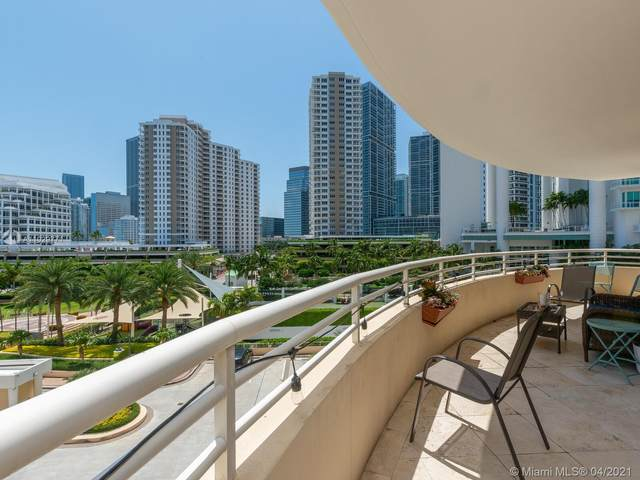 888 Brickell Key Dr #603, Miami, FL 33131 (MLS #A11029771) :: The Howland Group