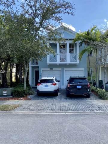 11426 NW 75th Ter, Doral, FL 33178 (MLS #A11030103) :: Berkshire Hathaway HomeServices EWM Realty