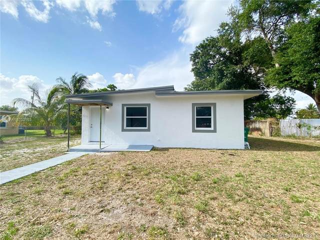 1131 NW 141st St, Miami, FL 33168 (MLS #A11030163) :: The Rose Harris Group