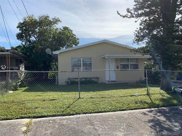 1217 W 34th St, Riviera Beach, FL 33404 (MLS #A11030286) :: The Rose Harris Group
