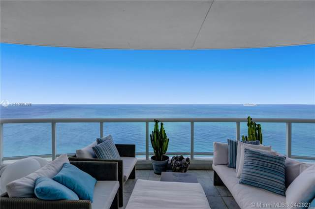 4201 Collins Ave #2403, Miami Beach, FL 33140 (MLS #A11030485) :: The Teri Arbogast Team at Keller Williams Partners SW
