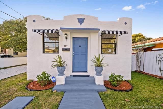 744 NW 33 Ave, Miami, FL 33125 (MLS #A11030497) :: Compass FL LLC