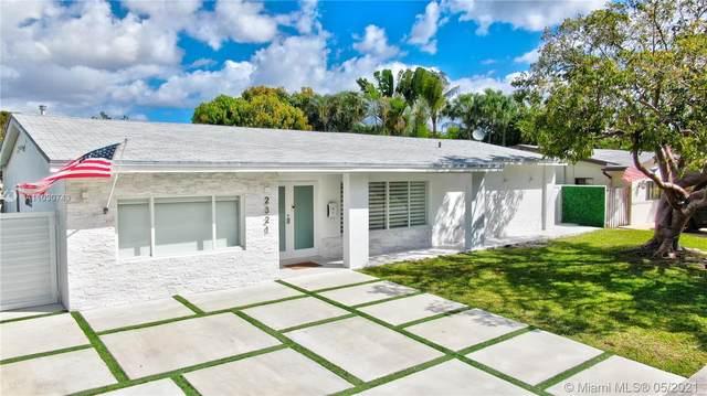 2321 NE 192nd St, Miami, FL 33180 (MLS #A11030743) :: The Riley Smith Group