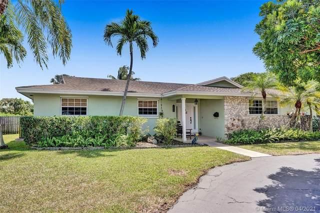 7970 SW 164th St, Palmetto Bay, FL 33157 (MLS #A11030965) :: Carole Smith Real Estate Team