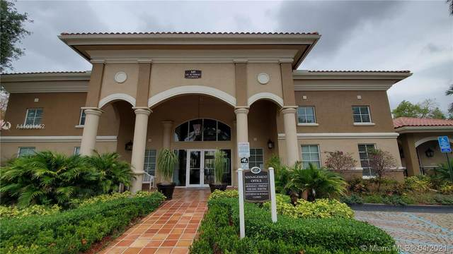 220 SW 116th Ave #15201, Pembroke Pines, FL 33025 (MLS #A11031652) :: GK Realty Group LLC