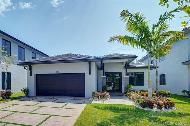 16051 NW 87th Ct, Miami Lakes, FL 33018 (MLS #A11031838) :: Castelli Real Estate Services