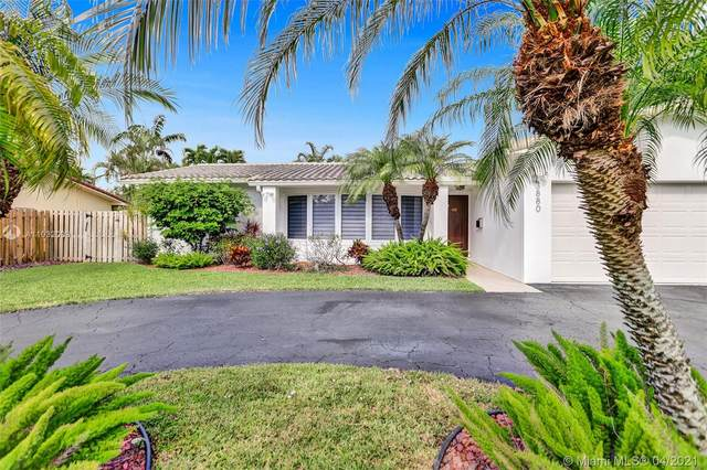 3880 N 49th Ave, Hollywood, FL 33021 (MLS #A11032099) :: The Rose Harris Group