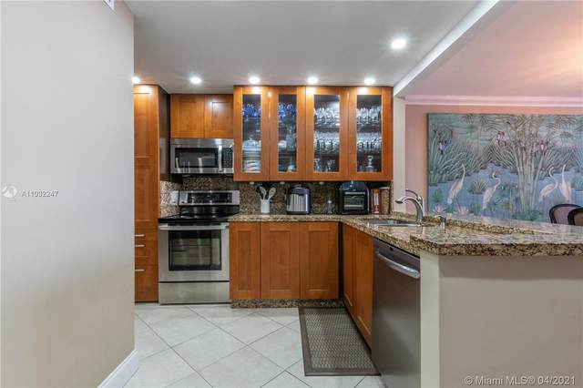 1717 N Bayshore Dr B-4138, Miami, FL 33132 (MLS #A11032247) :: The Howland Group