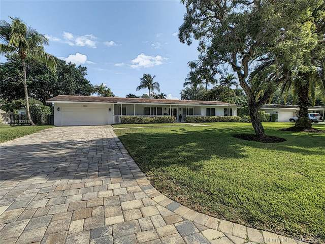 7501 SW 117th St, Pinecrest, FL 33156 (MLS #A11032787) :: The Riley Smith Group