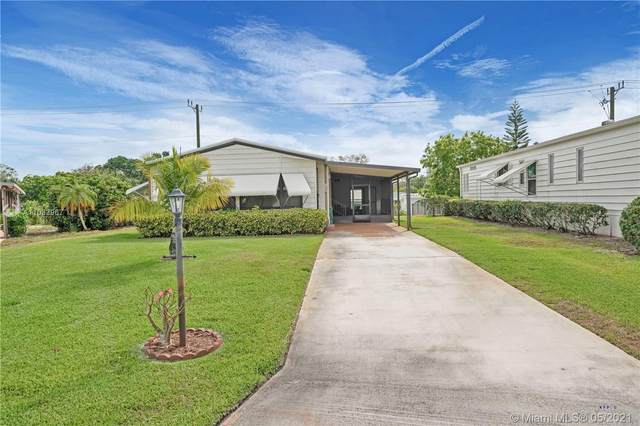7335 SE Independence Ave, Hobe Sound, FL 33455 (MLS #A11032967) :: Berkshire Hathaway HomeServices EWM Realty