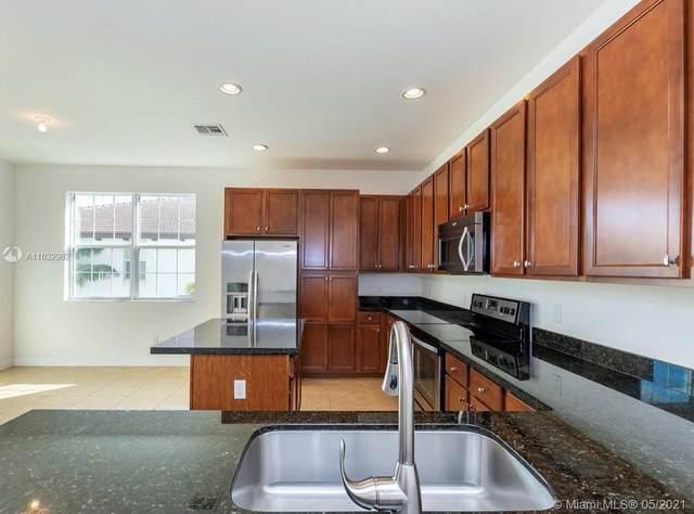 2706 SW 119th Way, Miramar, FL 33025 (MLS #A11032982) :: Equity Realty