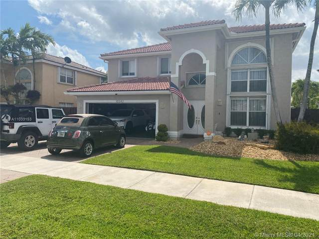 10342 SW 164th Ct, Miami, FL 33196 (MLS #A11033153) :: The Rose Harris Group