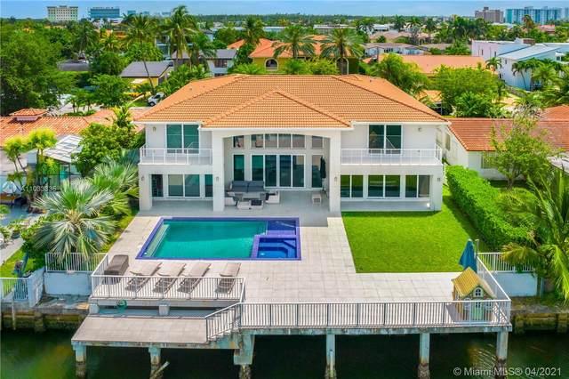 3303 NE 166th St, North Miami Beach, FL 33160 (MLS #A11033335) :: The Riley Smith Group