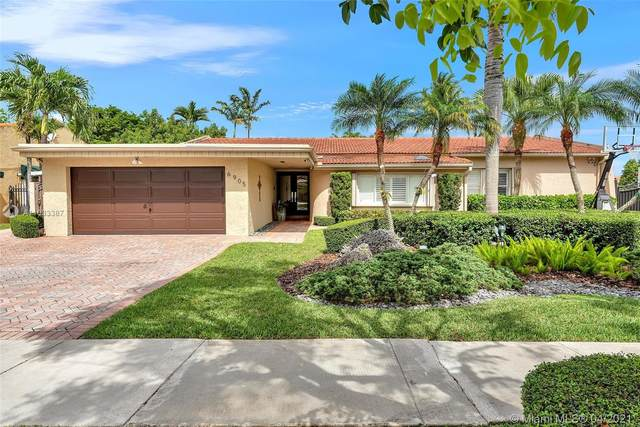 6905 SW 94th Ct, Miami, FL 33173 (MLS #A11033387) :: The Rose Harris Group