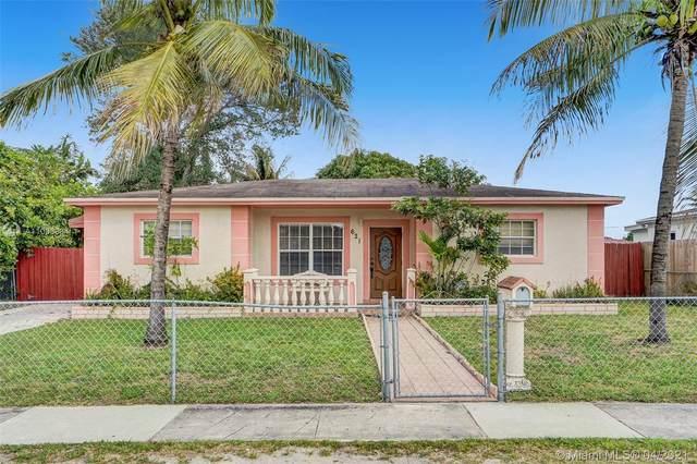 621 NE 168th St, North Miami Beach, FL 33162 (MLS #A11033834) :: The Rose Harris Group