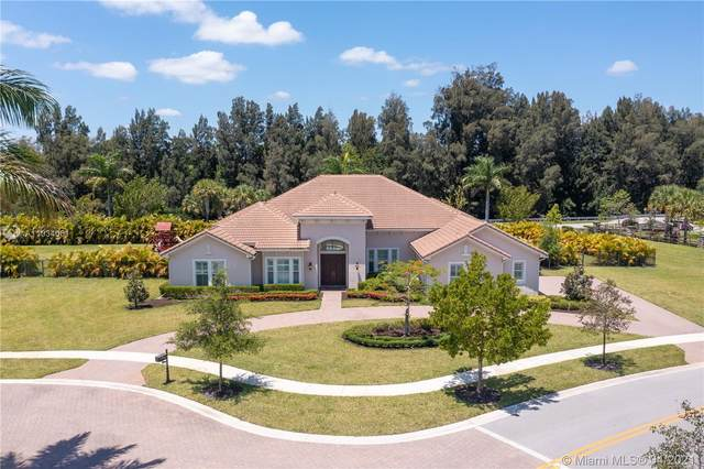 5788 S Sterling Ranch Dr, Davie, FL 33314 (MLS #A11034061) :: The Rose Harris Group
