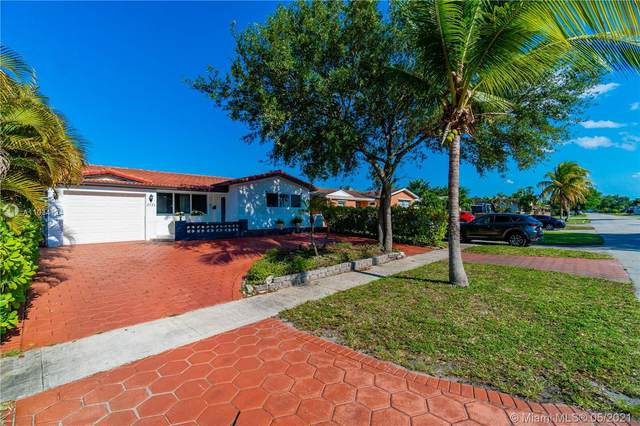 2121 N 54th Ave, Hollywood, FL 33021 (MLS #A11034124) :: The Rose Harris Group