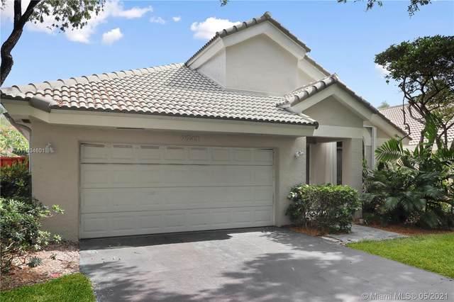9741 NW 18th Mnr, Plantation, FL 33322 (MLS #A11034601) :: Castelli Real Estate Services