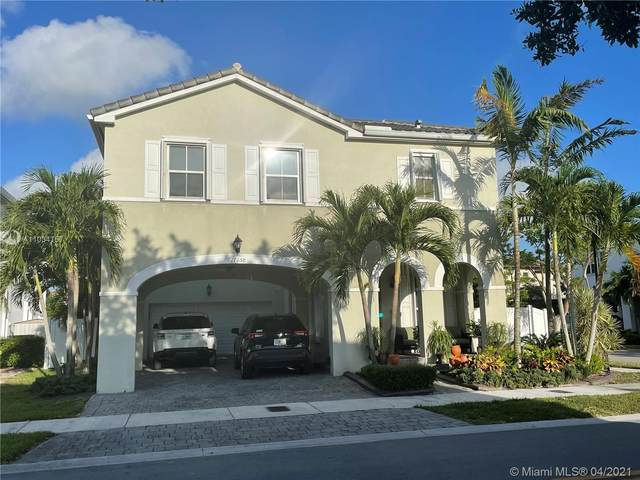 17058 SW 94th Ln, Miami, FL 33196 (MLS #A11034757) :: The Rose Harris Group