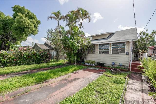 3045 NW 23rd Ave, Miami, FL 33142 (MLS #A11035019) :: The Rose Harris Group