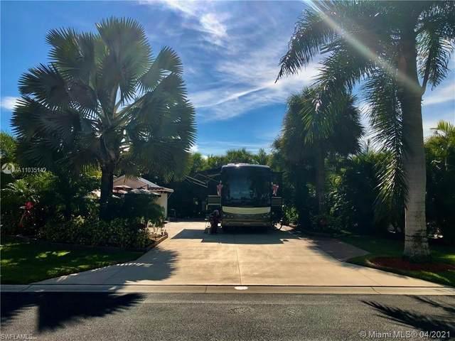 3011 Belle Of Myers Rd, La Belle, FL  (MLS #A11035142) :: Berkshire Hathaway HomeServices EWM Realty