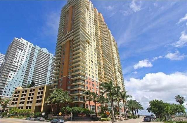 1155 Brickell Bay Dr #3208, Miami, FL 33131 (MLS #A11035621) :: Equity Advisor Team